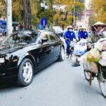 Chênh lệch giàu nghèo thể hiện rõ nét trên đường phố qua xe cộ