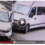 Người đàn ông bị Taxi đâm dính vào cột điện do tránh xe sang đường