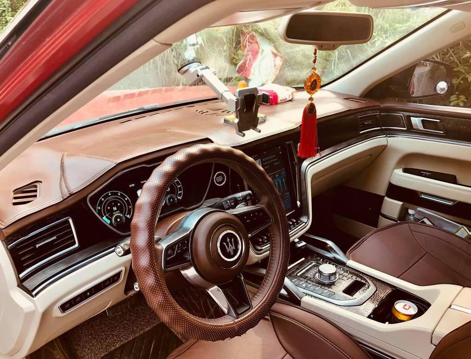 Nội thất xe Maserati hàng nhái giả
