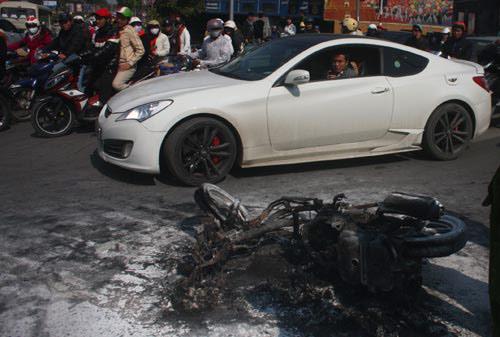 Ảnh xe bị cháy