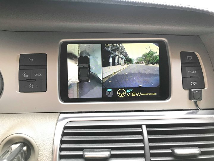 Xe sang Audi Q7 bản khủng