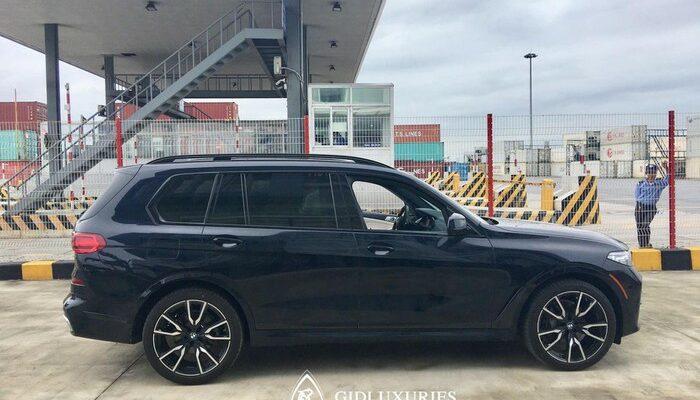 Xe sang BMW X7 về Việt Nam