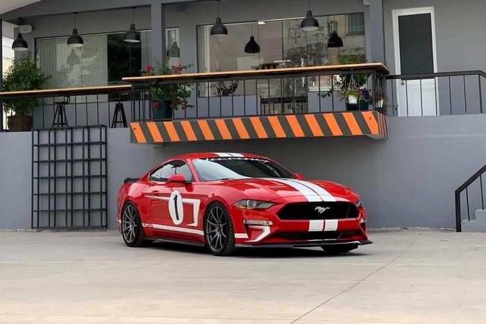 Hàng khủng Ford Mustang đẹp về VN