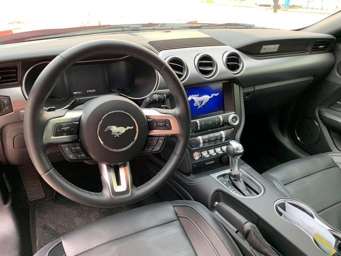 Nội thất siêu xe đỉnh Mustang