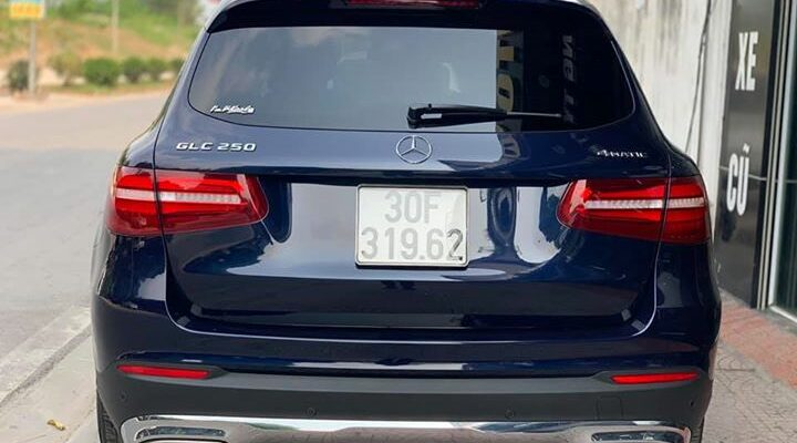 Xe Hot Mercedes GLC250 cực đẹp