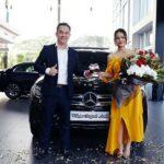 Phạm Quỳnh Anh rạng rỡ bên người tình Mercedes GLC mới