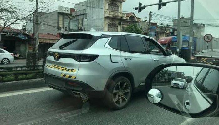 xe vinfast trên phố Việt