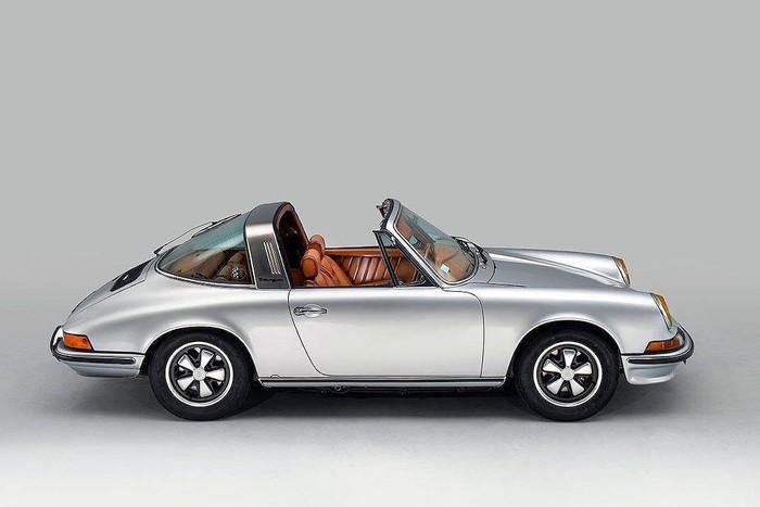 Siêu xe Porsche độ da sang trọng