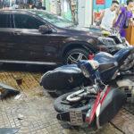 Nữ tài xế Mercedes tông hàng loạt xe máy: Cứ phụ nữ lái xe là nguy hiểm?