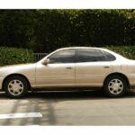 Qua thời đỉnh cao Toyota Avalon còn giá 195 triệu đồng