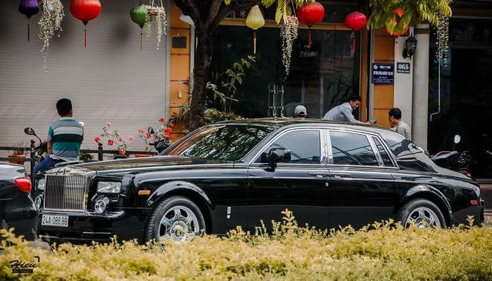 Đại gia Lào Cai chơi xe sang tiền tỷ