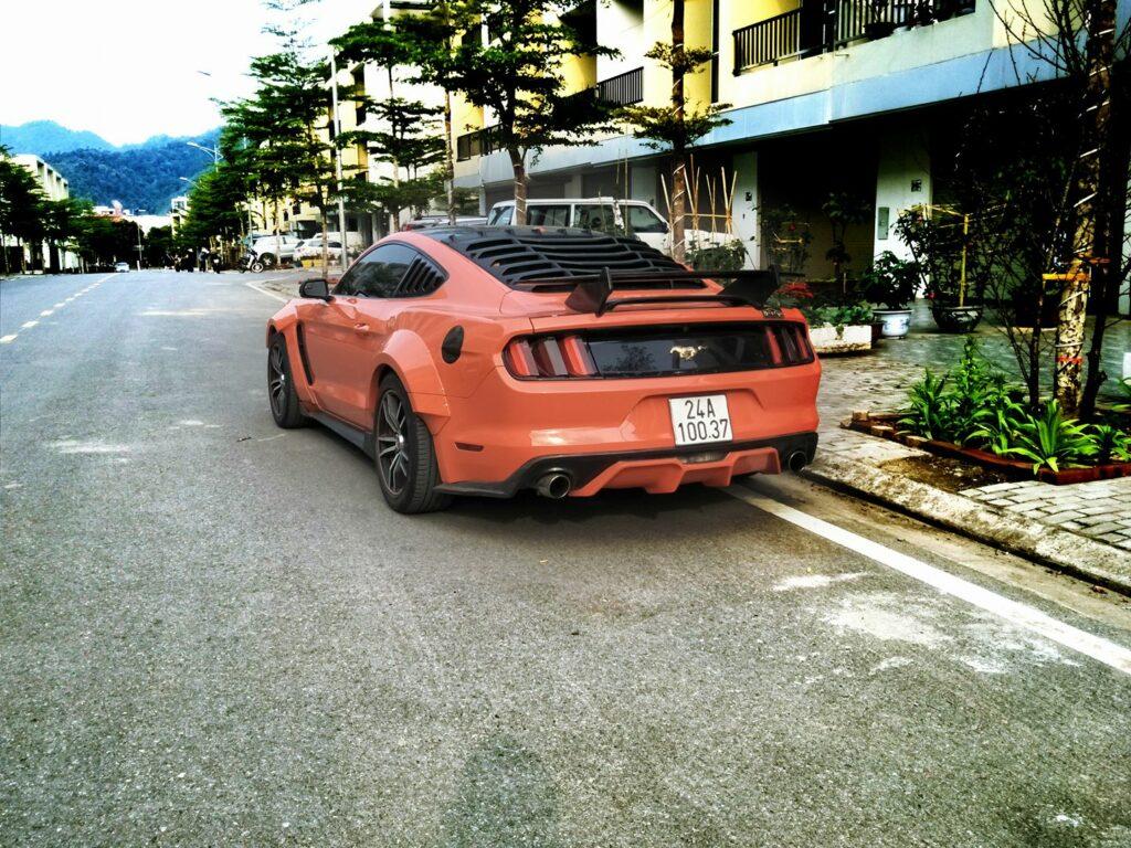 Xe Ford Mustang độ khủng nhất Lào Cai