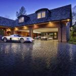 Đừng lấy xe sang đo độ giàu đại gia: Có trăm tỷ vẫn đi xe rẻ !