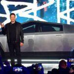 Xe bán tải chống đạn xấu kỳ lạ của Tesla