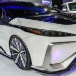 Toyota Ambivalent 'RD' Prius PHV Phát sáng như xe đồ chơi