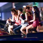 Ảnh xe ôm chở nhiều gái ngành trên phố