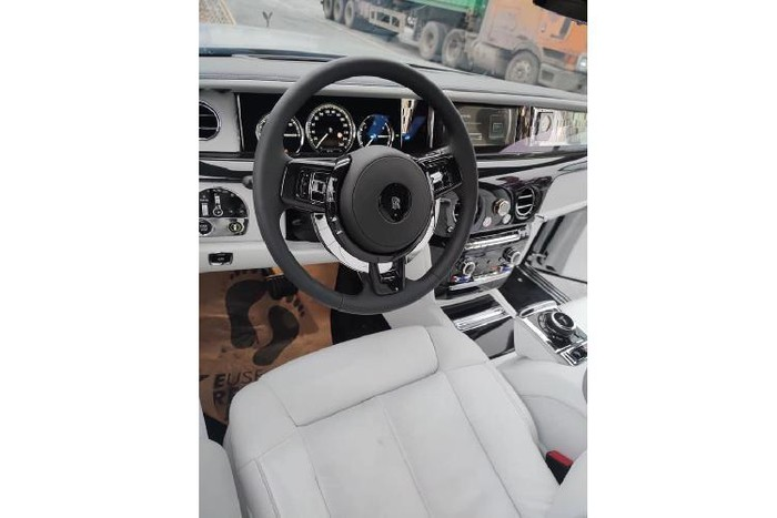 Nội thất Rolls Royce xa xỉ 2020