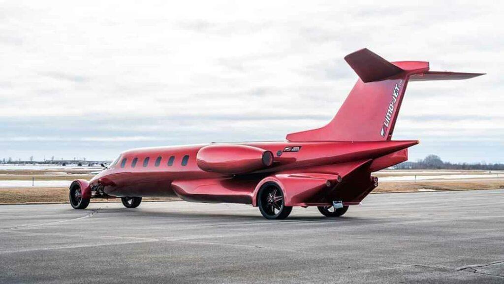 Xe siêu sang lai máy bay