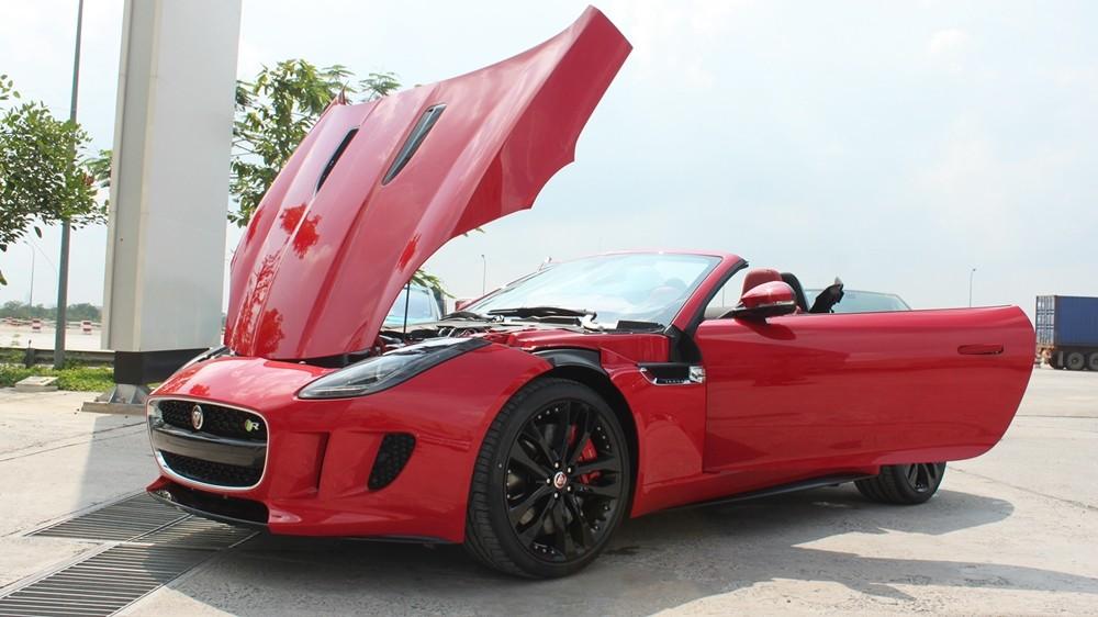 Phiên bản Jaguar F type