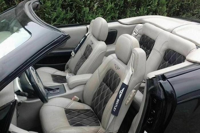 Xe Bentley hàng độc giả