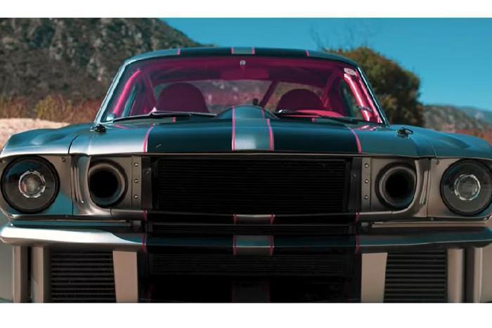 Sơn xe Ford Mustang hầm hố