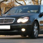 Từng một thời đi Mercedes C200 oai như đi siêu xe
