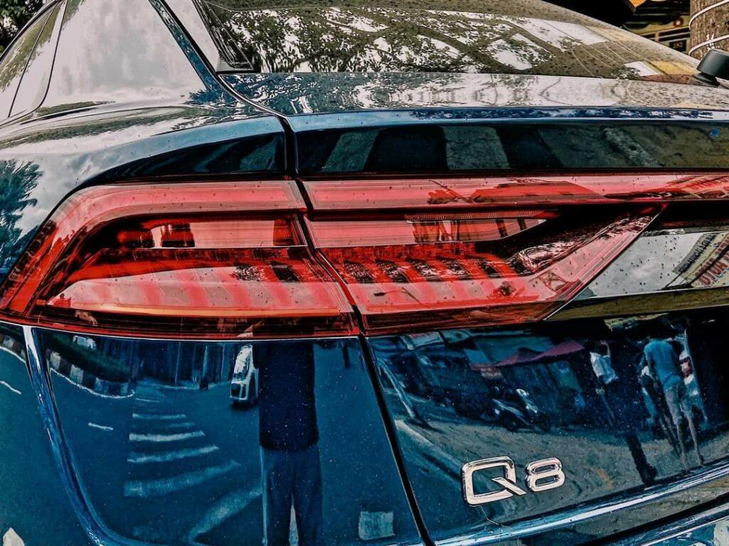 Siêu xe Q8 động cơ